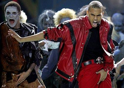 chris-brown- performing thriller in 2006