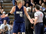 Dirk Nowitzki complaining to Tim about a foul