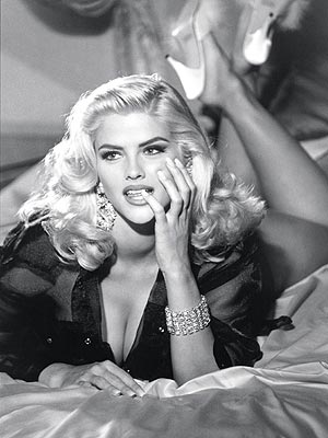 Anna Nicole Smith: a well known sex symbol. A Play Boy bunny, ...
